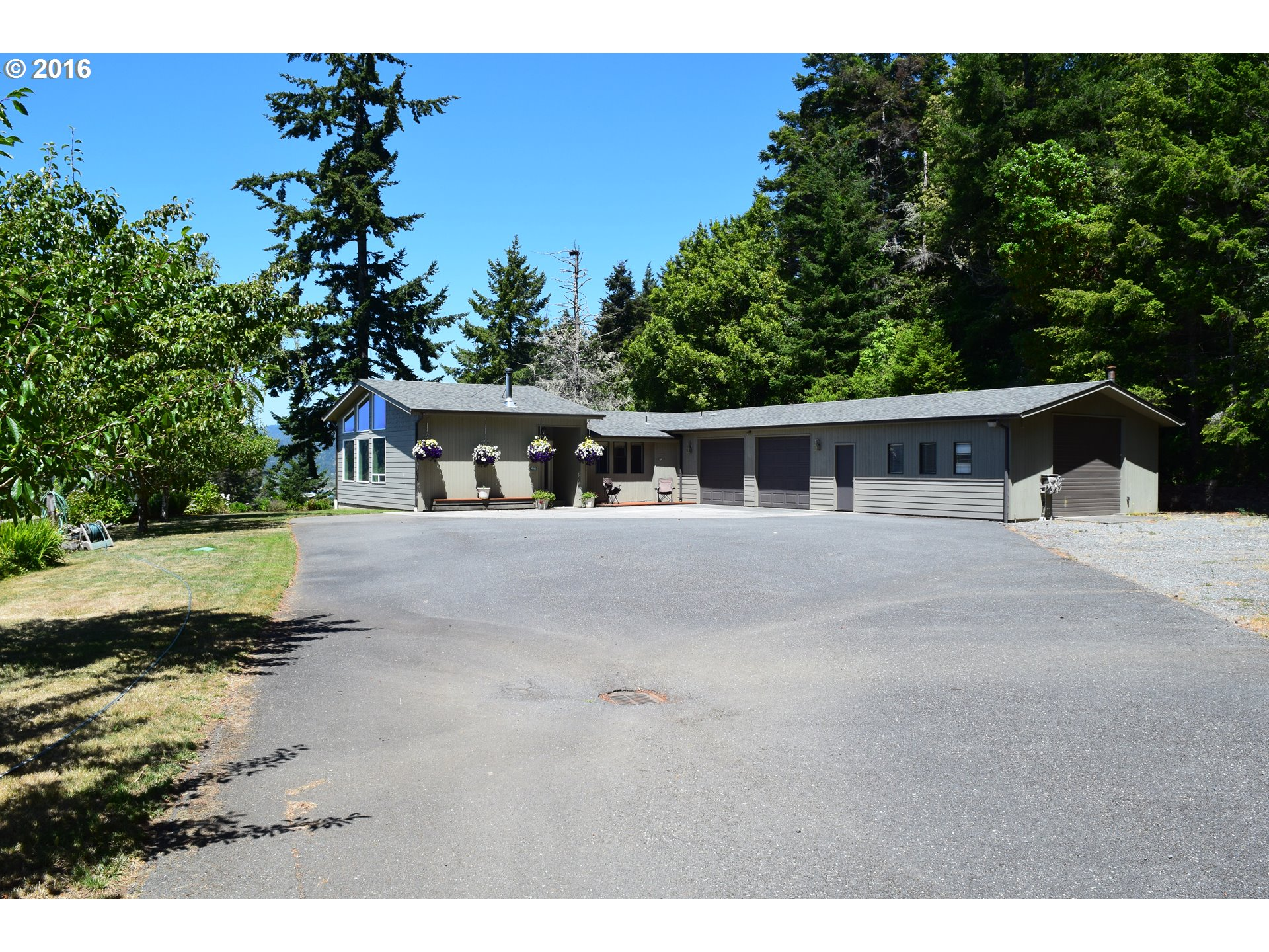 95183 MOUNTAIN RD Gold Beach, Brookings Home Listings - Pacific Coastal Real Estate