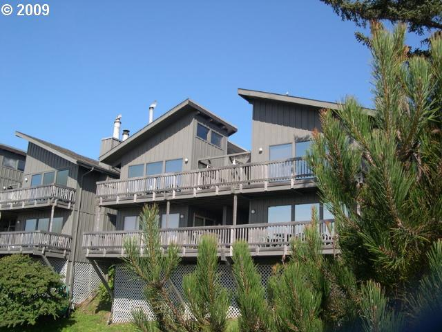 29134 ELLENSBURG AVE 7 Gold Beach, Brookings Home Listings - Pacific Coastal Real Estate