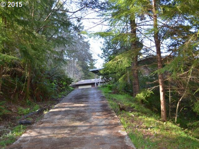 34348 CEDAR VALLEY RD Gold Beach, Brookings Home Listings - Pacific Coastal Real Estate