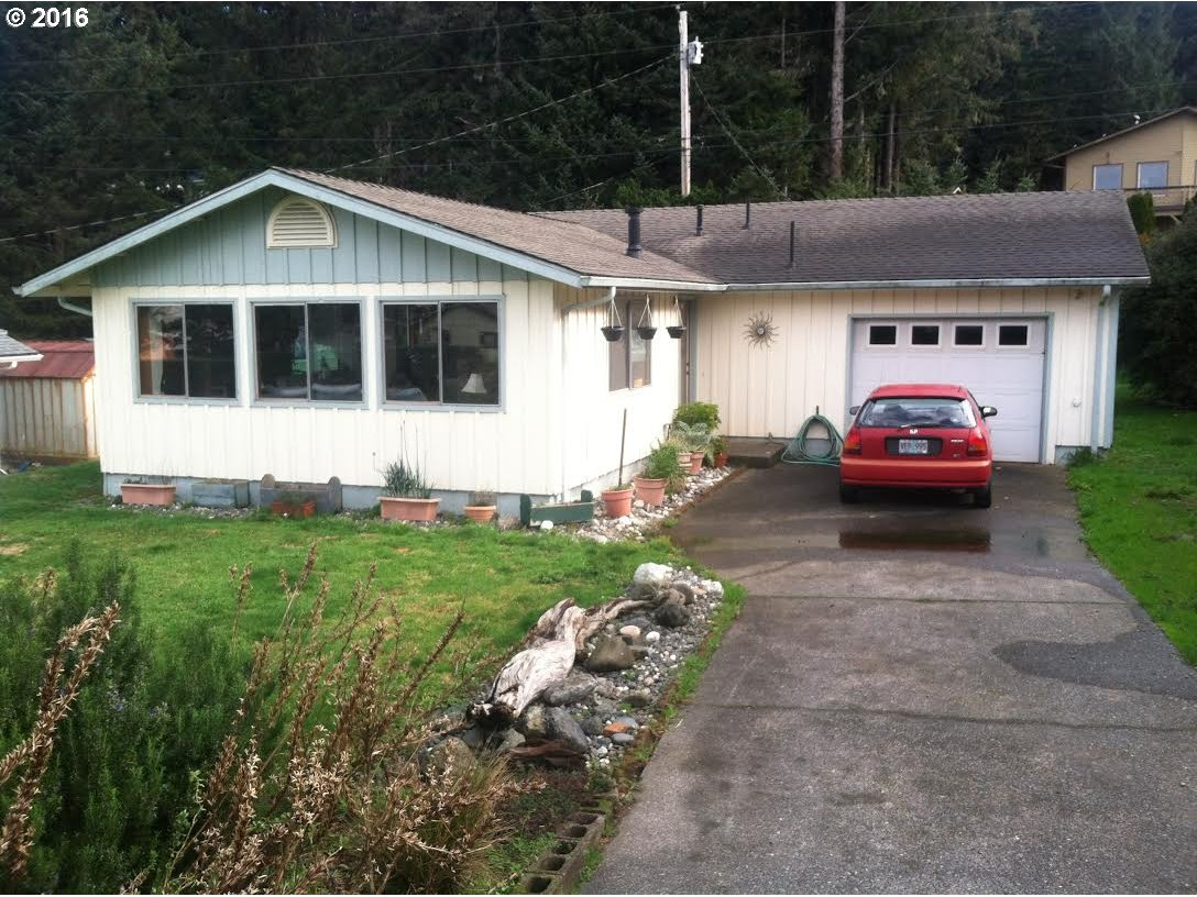 30341 DRIFTWOOD DR Gold Beach, Brookings Home Listings - Pacific Coastal Real Estate