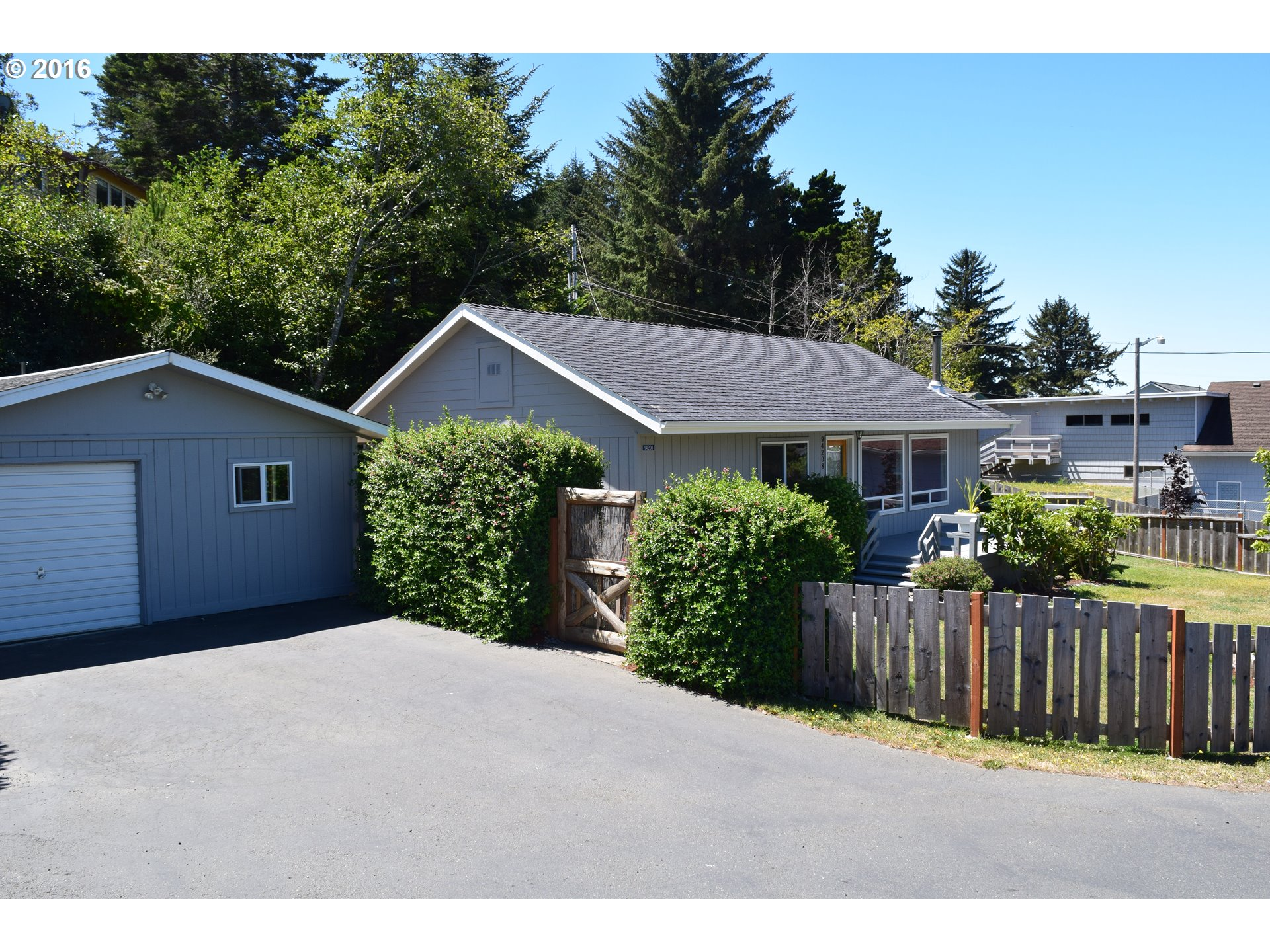 94208 TERRACE GARDEN WAY Gold Beach, Brookings Home Listings - Pacific Coastal Real Estate