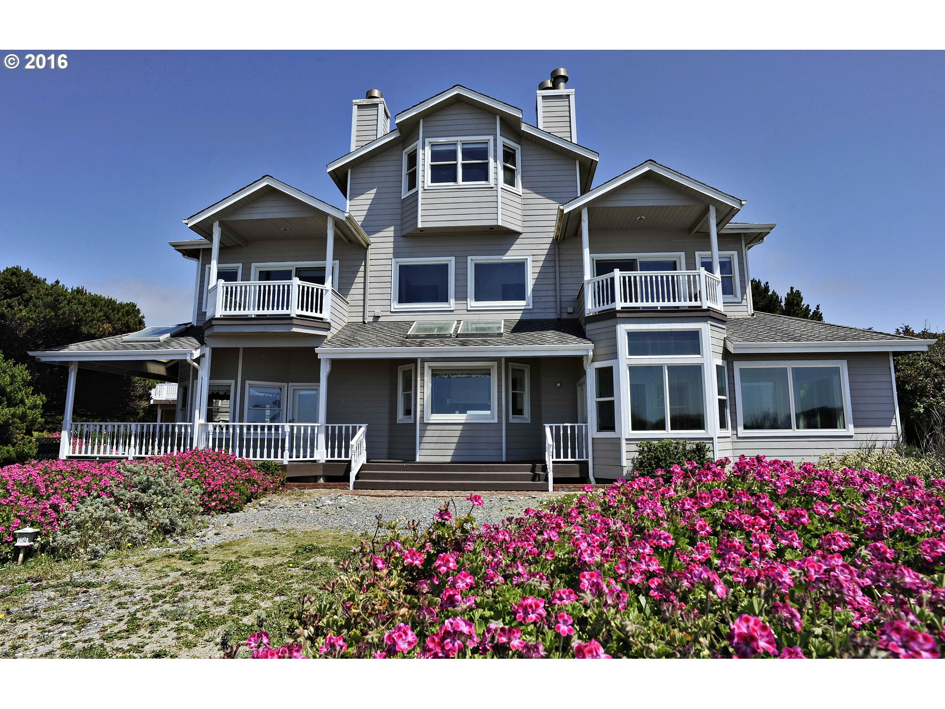 33026 NESIKA RD Gold Beach, Brookings Home Listings - Pacific Coastal Real Estate