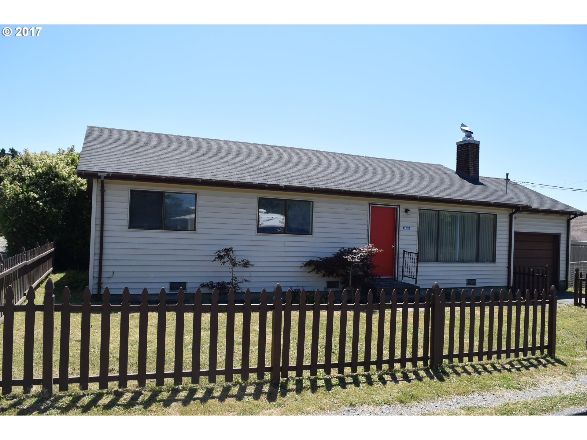 94226 SIXTH ST Gold Beach, Brookings Home Listings - Pacific Coastal Real Estate